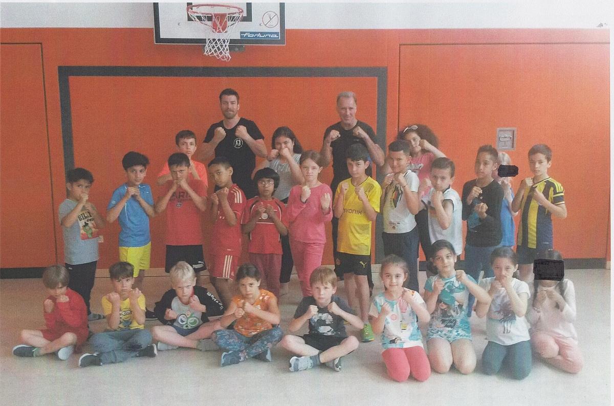 Kickboxen Mit Jimbala Und Der Akd Friedberg